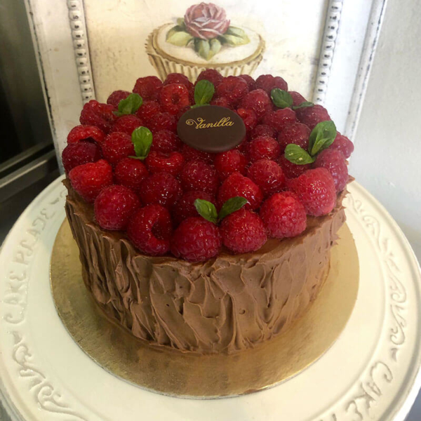 Vanilla-Cake-lamponi